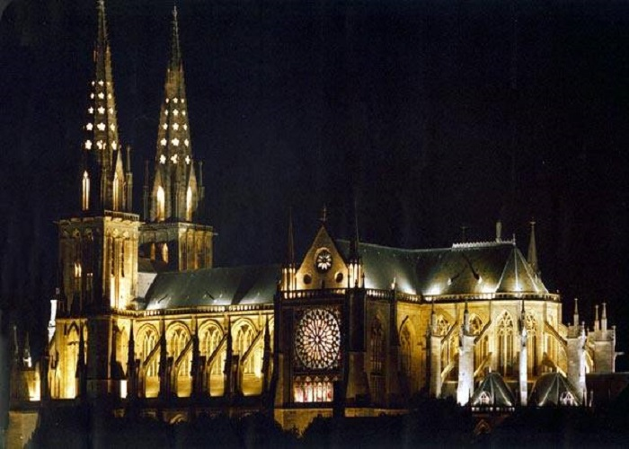 cathedrale nuit